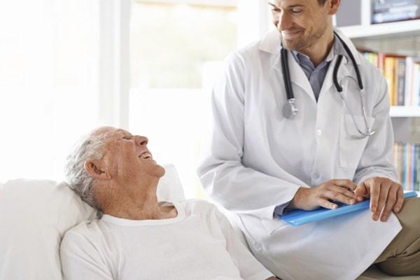 """medicina-general-atencion-a-domicilio-en-logroño-La """"MEDICINA SIN PRISAS"""" para los adultos mayores"""